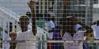 Lampedusa: delegazione di giornalisti entra nell'hotspot