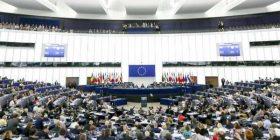 Parlamento Europeo: gli stati membri mettano al bando i gruppi neo-fasciti e neo-nazisti