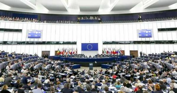 Parlamento europeo gli stati membri mettano al bando i for Parlamento ieri