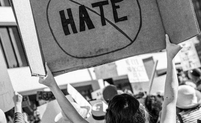 Reati d'odio, cosa è cambiato in una legislatura europea?