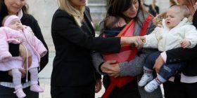 La Corte d'Appello conferma: il premio nascita spetta a tutte le mamme