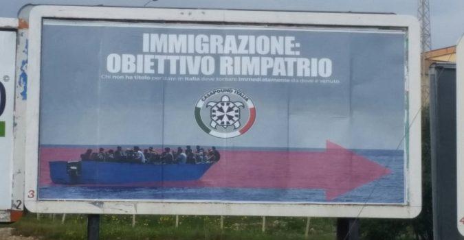 """Razzismo """"manifesto"""". E la campagna elettorale avanza a colpi di 6×3"""