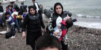"""Grecia: profughi chiusi nello stadio, cariche della polizia. MSF: """"Mai vista una cosa del genere"""""""