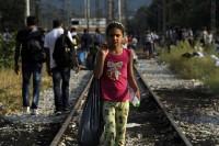 f-refugees-a-20150822-870x579