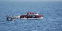 Stragi senza fine. Naufraga barca con 400 persone, quindici morti, centinaia di dispersi.