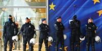 """Agenti EU negli hotspot: la presunta """"questione sicurezza"""" mette a rischio il diritto di asilo"""