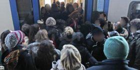 """""""Sui mezzi sempre più razzismo"""": la denuncia di una pendolare"""