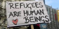 Dopo gli attacchi di Parigi, i rifugiati non devono diventare capi espriatori